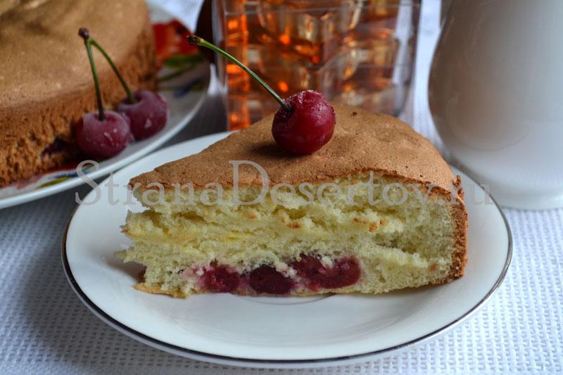 вишневая шарлотка в духовке по рецепту с фото