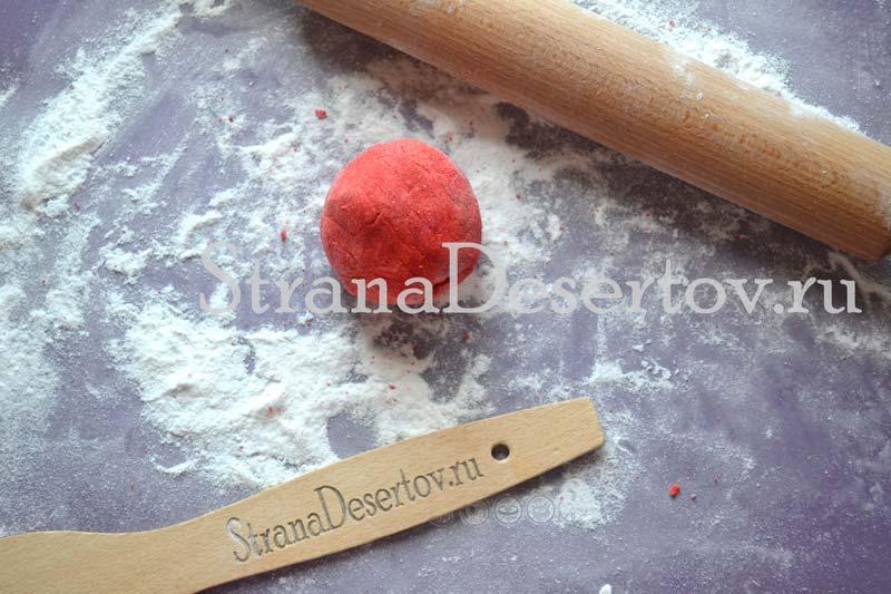 красная мастика
