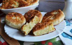 пирожки жареные с картошкой