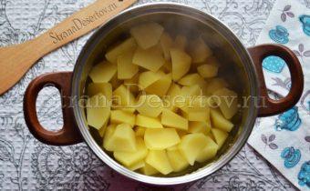 вареный картофель для начинки