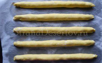 формирование трубочек для торта