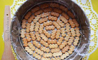 выкладывание печенье слоем