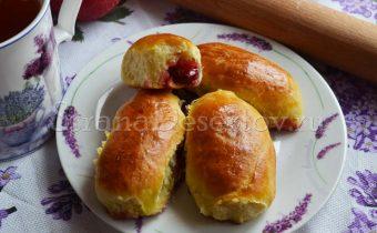 вишневые пирожки